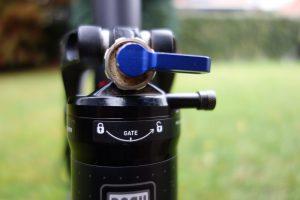 lock out achterschokbreker mountainbike
